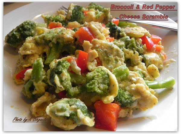Broccoli & Red Pepper Cheese Scramble Recipe