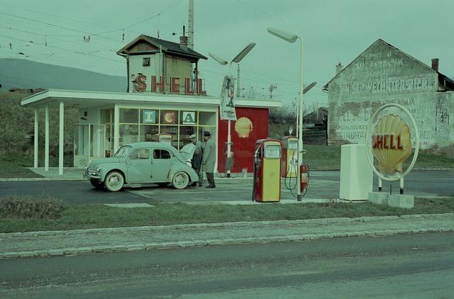 retro čerpacia stanica, retro Shell, autoumyváreň