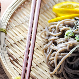 Mandelo Zaru Soba (Cold Buckwheat Noodles with Cocktail Grapefruit Sauce)