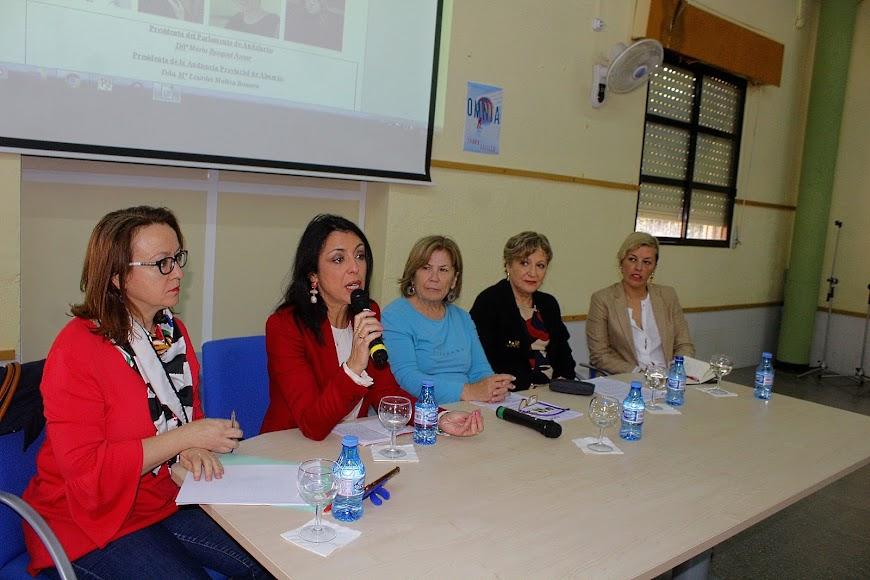 Antonia Sánchez Villanueva, Marta Bosquet, Amparo García, Lourdes Molina y Sonia Ferrer.