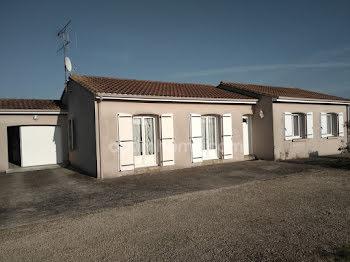 maison à Louzy (79)