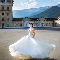 Wedding photographer Olga Shestakova (olgaphotolife). Photo of 07.08.2017