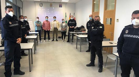 Torrecárdenas colabora en un curso de capacitación de oficiales de Policía Local