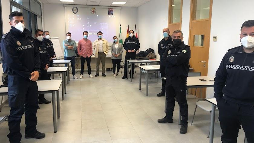 Participantes en el curso de capacitación de oficiales de la Policía Local.