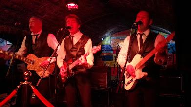 """Photo: Музыканты в клубе """"Cavern""""в Ливерпуле. Почти что Битлз :)"""