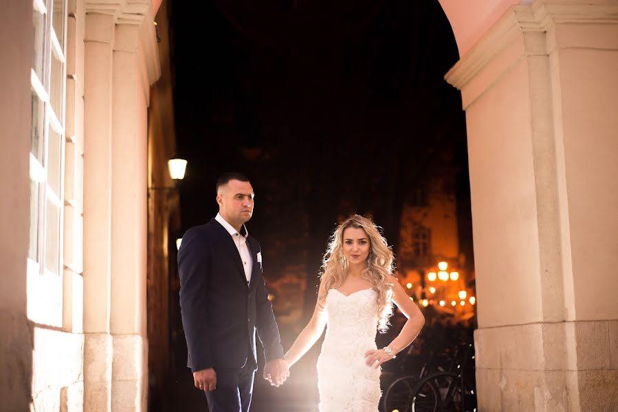 Wedding photographer Volodymyr Harasymiv (VHarasymiv). Photo of 20.02.2016
