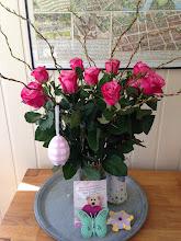 Photo: Danke Mama fuer die schønen Osterkleinigkeiten. Die Rosen hab ich mir dann einfach mal selbst gekauft :) Fairtrade ist ja klar :)