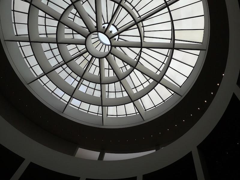 Pinakothek der Moderne, Monaco di Elisacaso