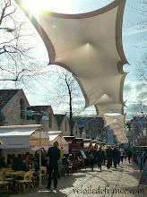Photo: C'est la fin de la balade à vélo, prenez votre temps sur les terrasses de café-restaurant dans le quartier de Bercy Village -e-guide de balade à vélo dans Paris de Notre-Dame à Bercy-Village