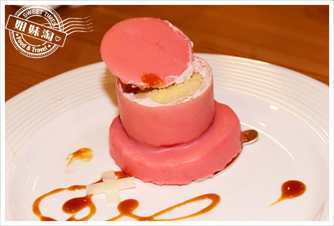 攝飲動漫主題餐廳喬巴帽蛋糕3