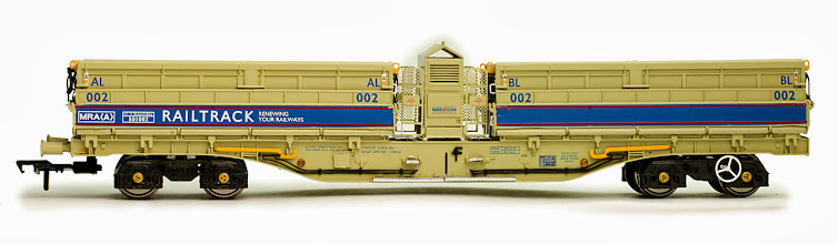 Photo: B859C   NQP MRA 5 Car Set