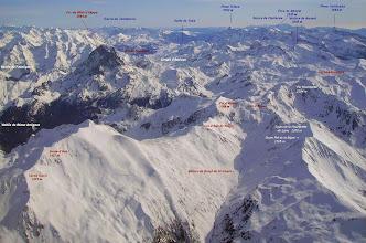 Photo: Vision aérienne annotée sur le vallon de Baigt de Sencours parcouru par le GR 10.