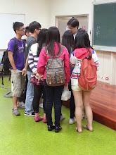 Photo: 會後同學踴躍發問