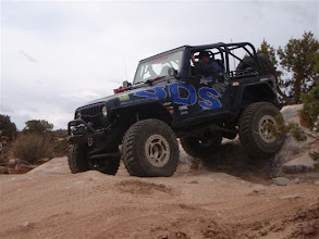 Photo: BDS Jeep on the Moab Seven Mile Rim Trail