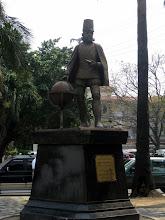 Photo: Памятник Филиппу II, в честь которого названа страна