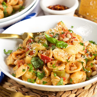 One Pot Mediterranean Tuna Pasta Skillet Recipe