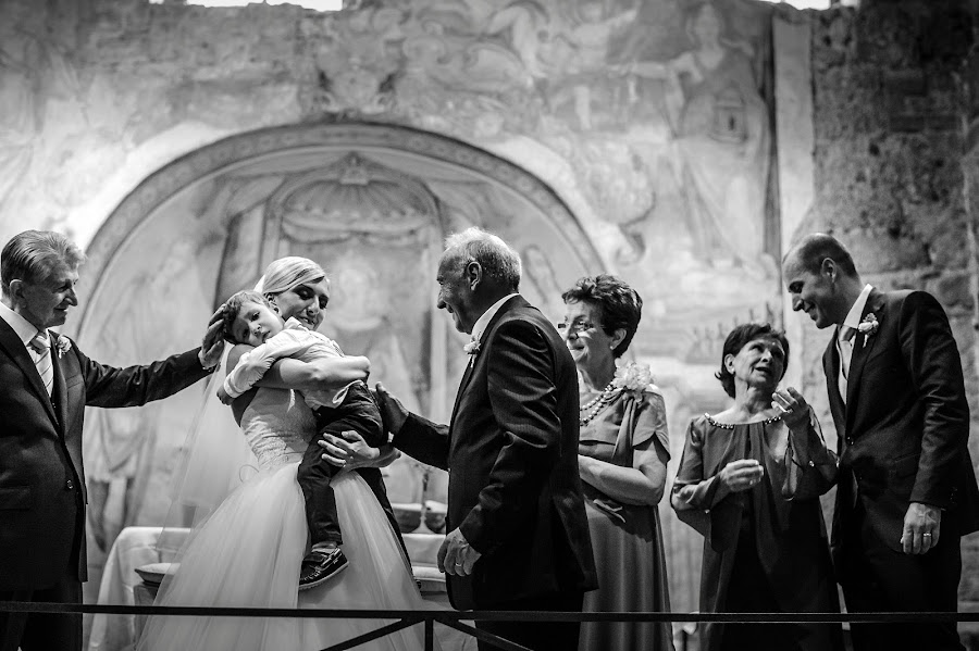 Wedding photographer Massimiliano Magliacca (Magliacca). Photo of 04.04.2018