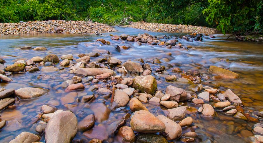 Batuan by Yusri_by. Photo - Nature Up Close Rock & Stone