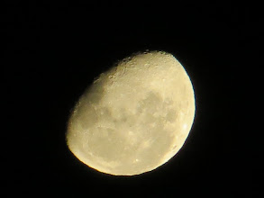 Photo: Can u c the man in the moon?