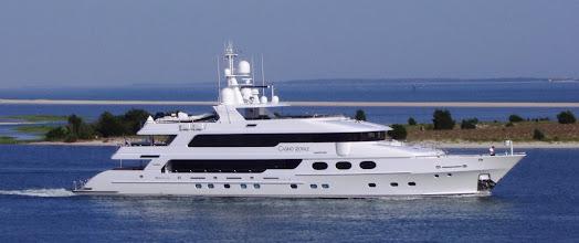 Photo: Casino Royale leaving Beaufort
