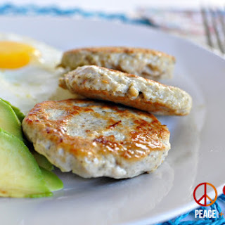 Maple Chicken Breakfast Sausage – Low Carb, Paleo, Gluten Free.