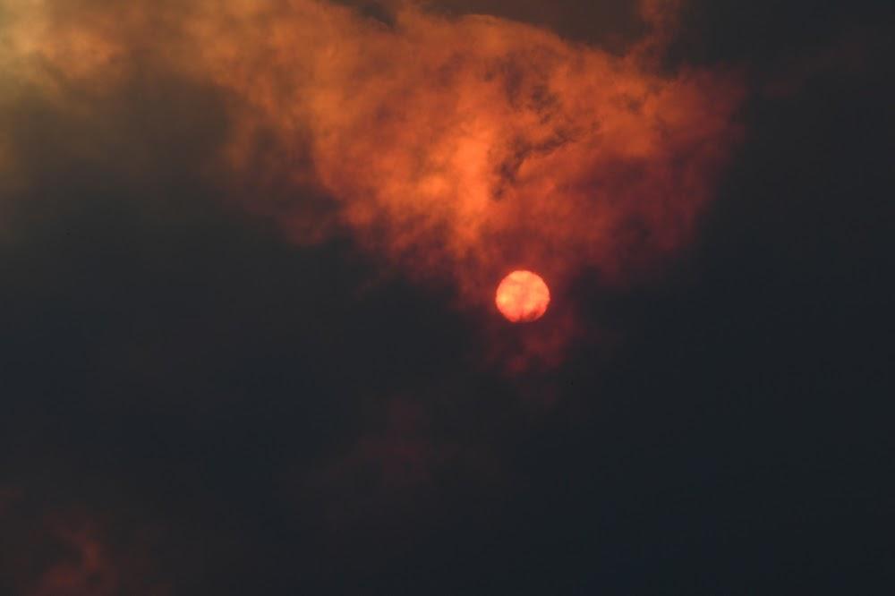 'Big dry' feeds furious Australian bushfires