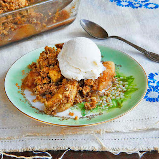 Old Fashioned Oat Nut Apple Crisp