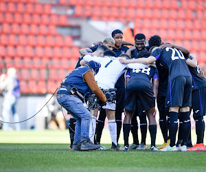 🎥 Anderlecht wordt na winst tegen Standard door supporters getrakteerd op warm onthaal