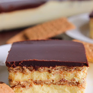 No-Bake Chocolate Eclair Dessert.