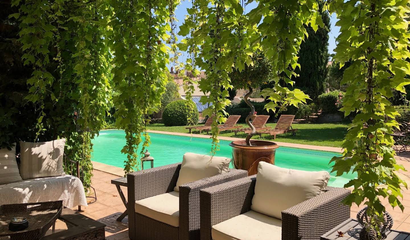 Property with pool and garden Lézignan-Corbières