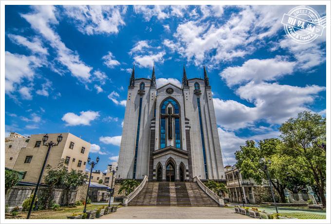 鳳山長老基督教堂藍天白雲