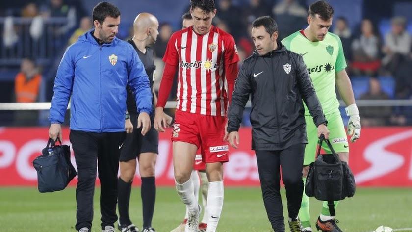 Juan Ibiza no pudo completar el partido en Villarreal.