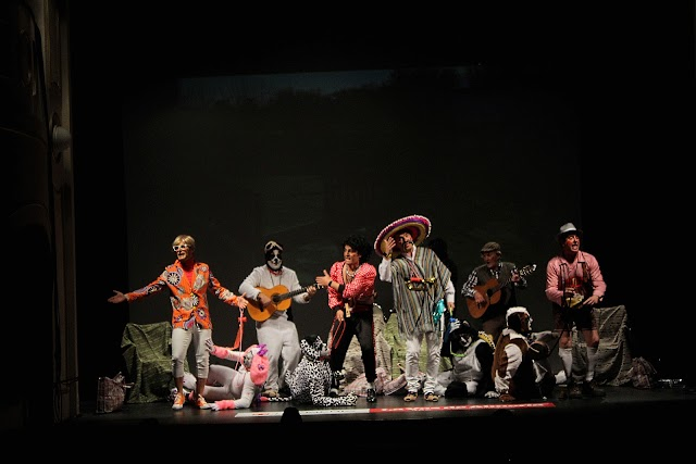 La chirigota de La Mojonera, dirigida por Enrique Gómez López.
