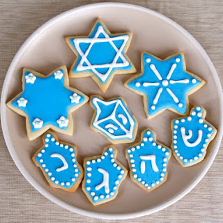How to Decorate Sugar Cookies with Royal Icing.