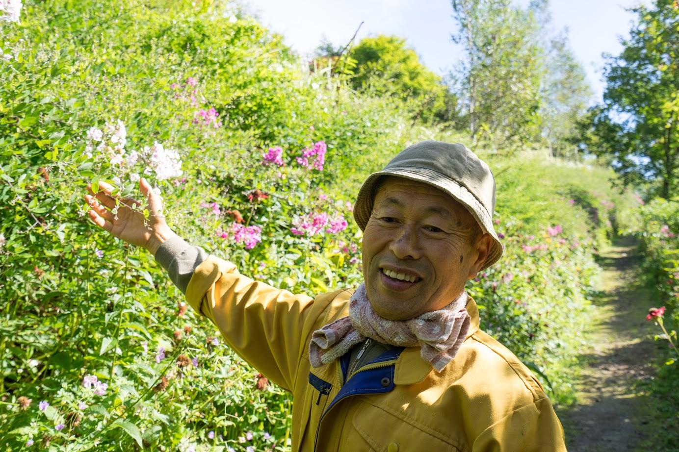 花に対する愛情いっぱいに語る武市さん