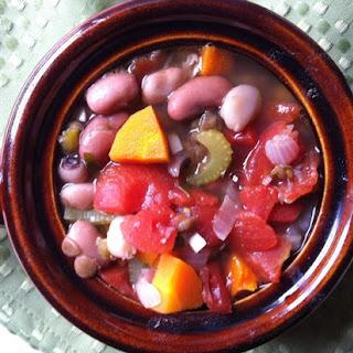 15 Bean Soup {Mom's Kitchen}
