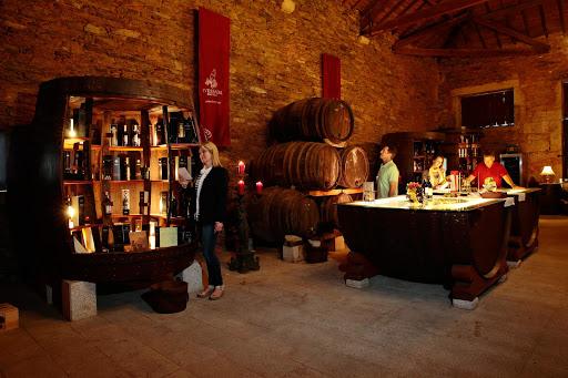 Pinhao_Wine_Tasting.jpg - Wine tasting in Pinhao, Portugal.
