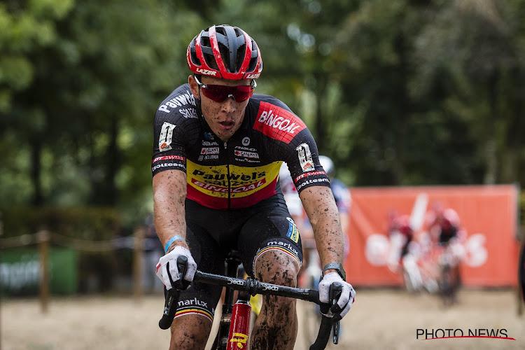 Sterke Sweeck maakt weinig fouten en pakt in Jaarmarktcross felbegeerde zege, Europese kampioen leidt in klassement