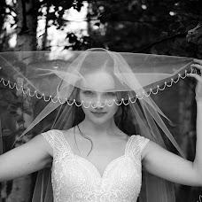 Wedding photographer Roman Gorelov (hellsmile). Photo of 20.10.2018