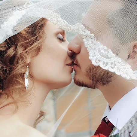 Wedding photographer Anastasiya Svorob (svorob1305). Photo of 21.12.2017