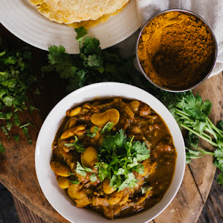MAURITIAN BUTTER BEAN CURRY W. DHOLL PURI
