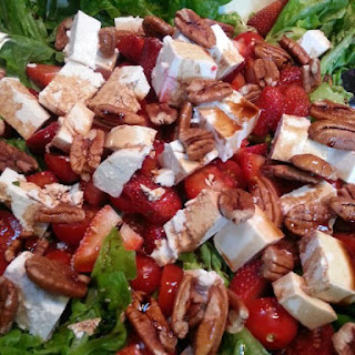 Balsamic Strawberry, Fetta and Pecan Salad