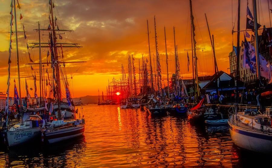 Båter by Dag Hafstad - Landscapes Sunsets & Sunrises