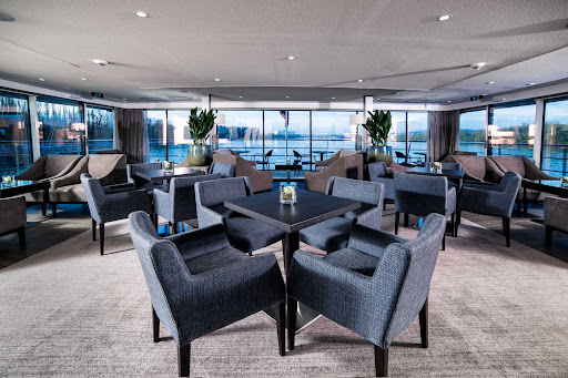 The classy, light-filled Club Lounge on Avalon Envision.