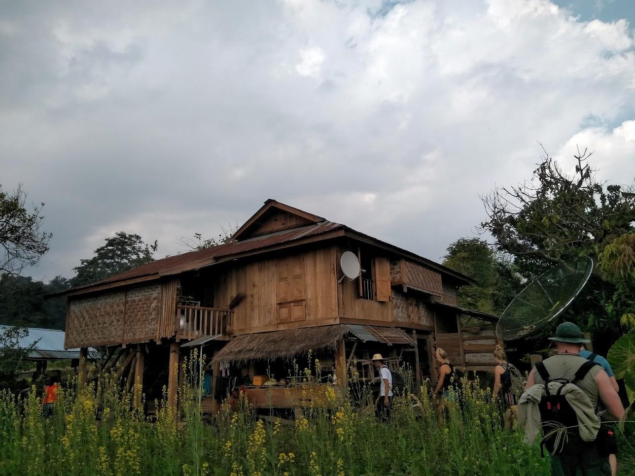 ミャンマー、トレッキング風景