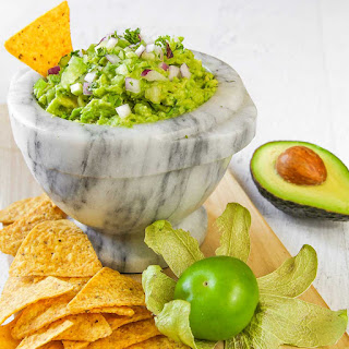 TOMATILLO GUACAMOLE with red onions