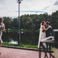 Wedding photographer Kira Nevskaya (dewberry). Photo of 19.03.2014