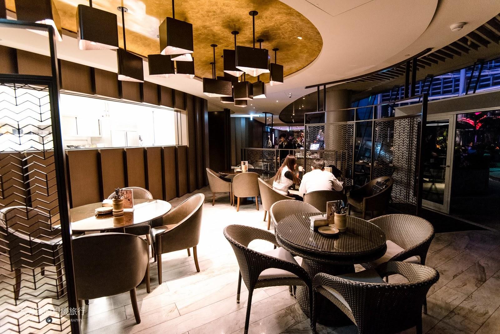 部分室內用餐區是沒有靠窗的,在訂位的時候可以特別留意。
