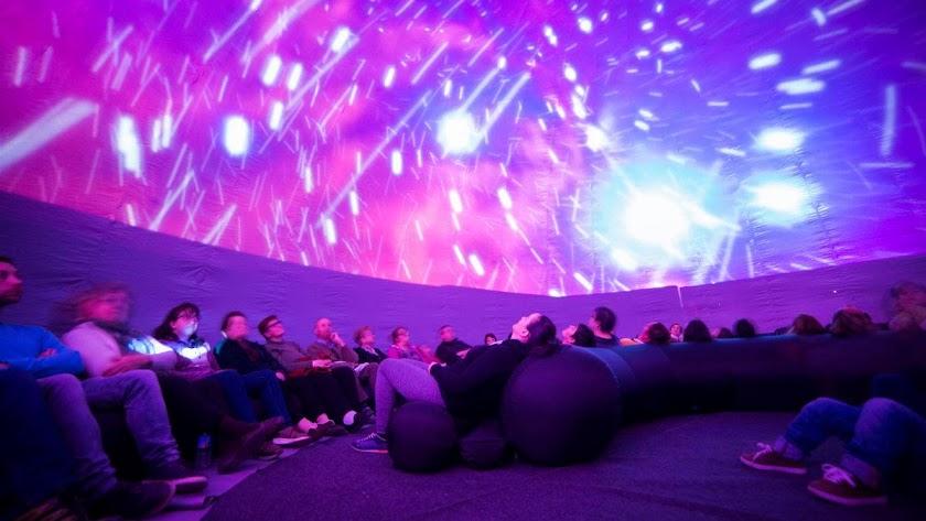Imagen del Facebook de Azimuth Spain del planetario portátil que se instalará.