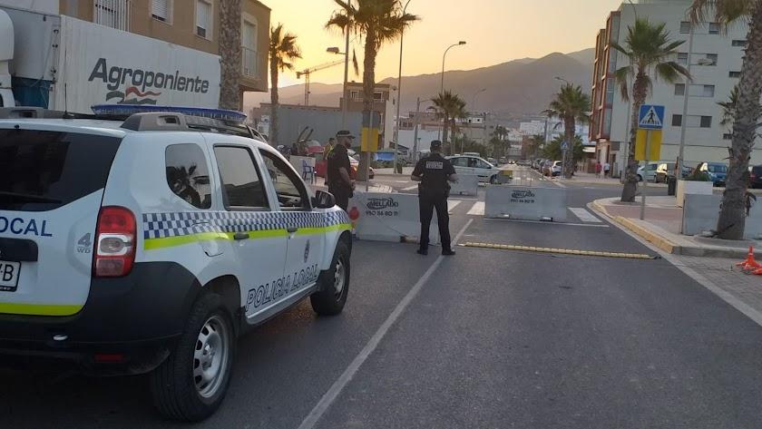 La Policía Local será quien realice los controles en Adra.
